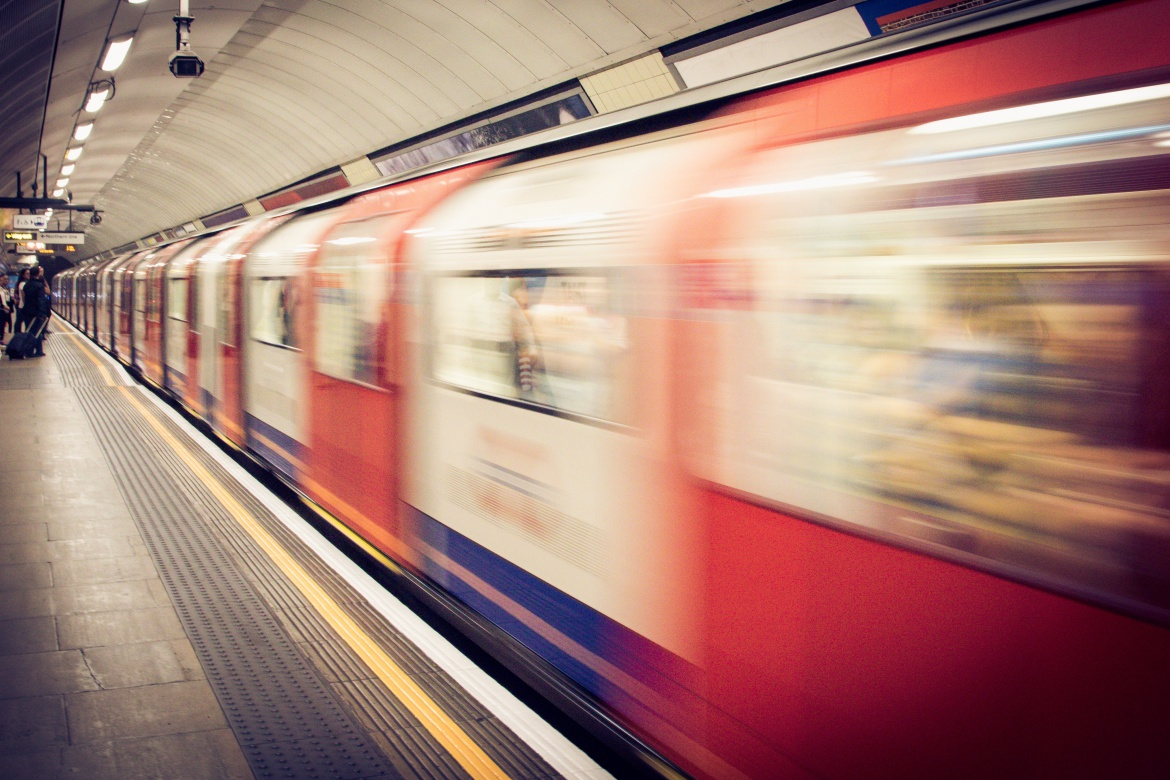 london transportation train - http://iamsherrelle.com