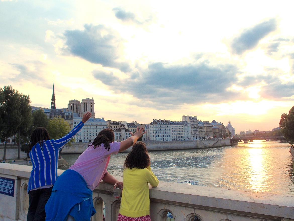 European Family Vacation- seine - http://iamsherrelle.com