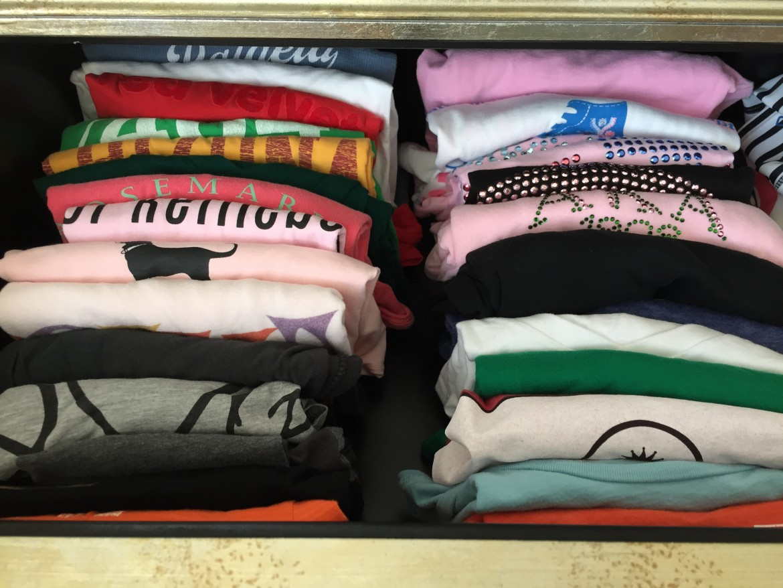 organize your t-shirts http://iamsherrelle.com